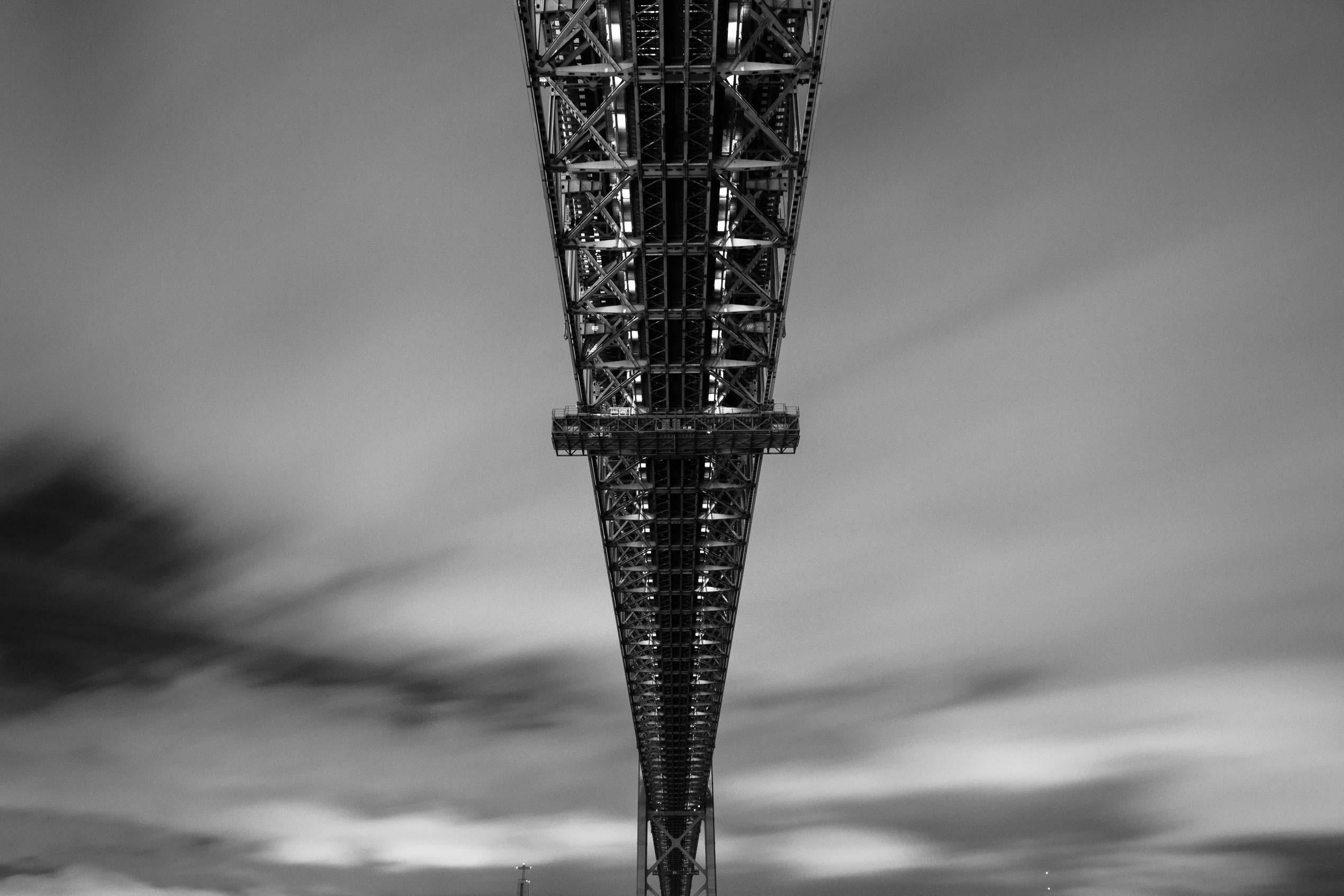 Ponte_25_abril_baixo_site